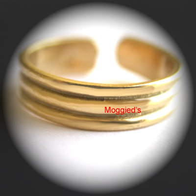 TR-10 Ribbed Design Gold Layered Toe Ring