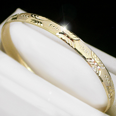 BNB-428  6mm Diamond Cut Gold Layered Bangle