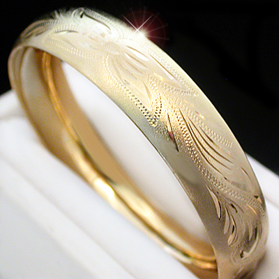 BNB-45  14mm Wide Diamond Cut Gold Layered Bangle