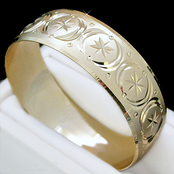 BNBW-100 20mm Wide Diamond Cut Gold Layered Bangle